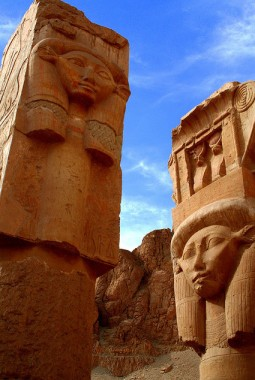 De Hathor-tempel in Egypte
